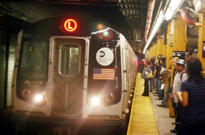 MTA L train at Sixth Avenue station. (Courtesy: brooklynpaper.com)